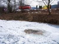 Mladý muž chtěl odpálit domácí výbušninu pod ledem