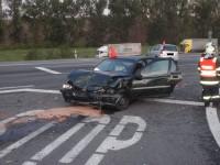 Ranní dopravní nehoda dvou osobních vozidel