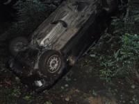 Noční nehoda u hřbitova, osádka vozu není k nalezení