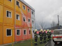 Hasiči zasahují na Poschle, desítky evakuovaných a zraněných