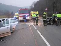 Bystřička - zraněného řidiče museli hasiči z vraku vystříhat