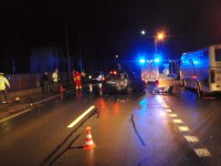 Osobní automobil v noci zdemoloval plot v obci Lidečko
