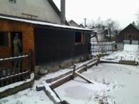 Včasným zásahem se požár přístřešku nerozšířil na rodinný dům