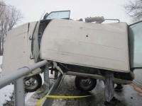 Holešov - hasiči museli vrak vozidla vyřezat ze svodidel