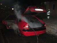 Vozidlu upadla nádrž a následně začalo hořet