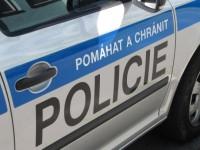 Včera po poledni v Karolince řešili policisté dva opilé muže