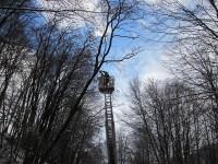 Vsetín: padající stromy zachytilo telefonní vedení