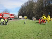 Jablůnka - zraněného řidiče transportoval do nemocnice vrtulník