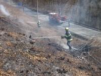 Požár travního a lesního porostu na Horní Jasence