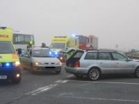 U Jablůnky na Vsetínsku bourala dvě osobní vozidla